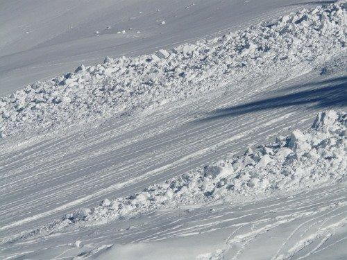 Valanga di neve bagnata